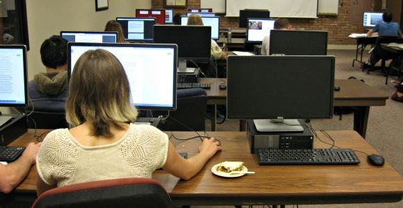 Instruction Lab at Briggs Library