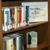 Bookshelf dedicated to Bestselling books.